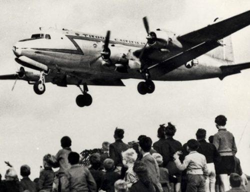Hoe een Amerikaanse piloot Berlijnse kinderen een zoete kerst bezorgde
